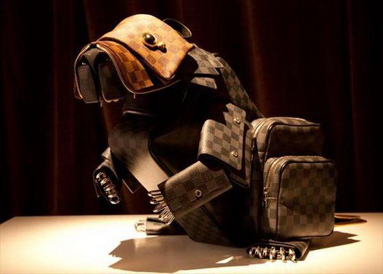 Animal sculpture Louis Vuitton bags