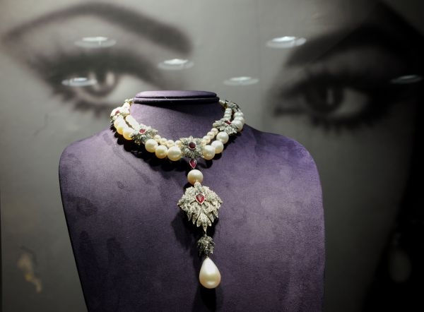 La Peregrina Cartier pearl