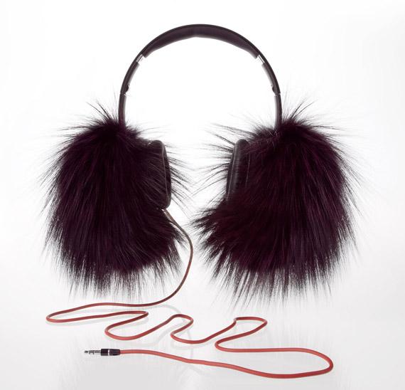 Oscar de la Renta Beats Dr Dre headphones