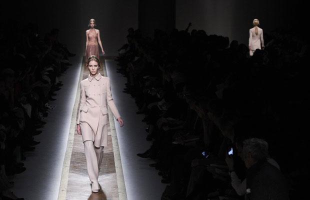 valentino fashion show 2011