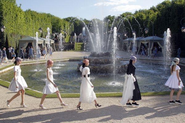 Chanel Versailles Cruise show