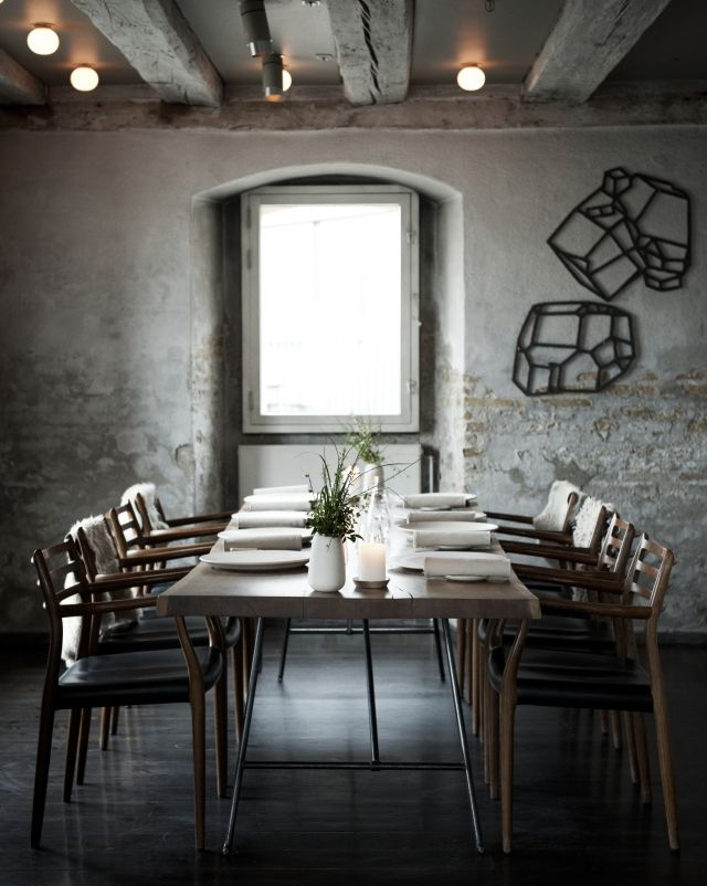 restaurant noma table