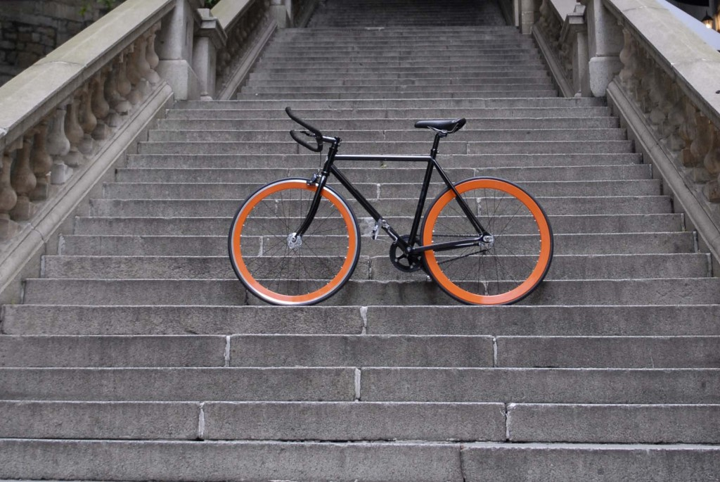 SHANGHAI TANG WITH COLOSSI CYCLING