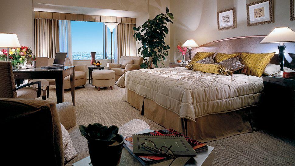 Four Seasons Hotel Riyadh Bedroom
