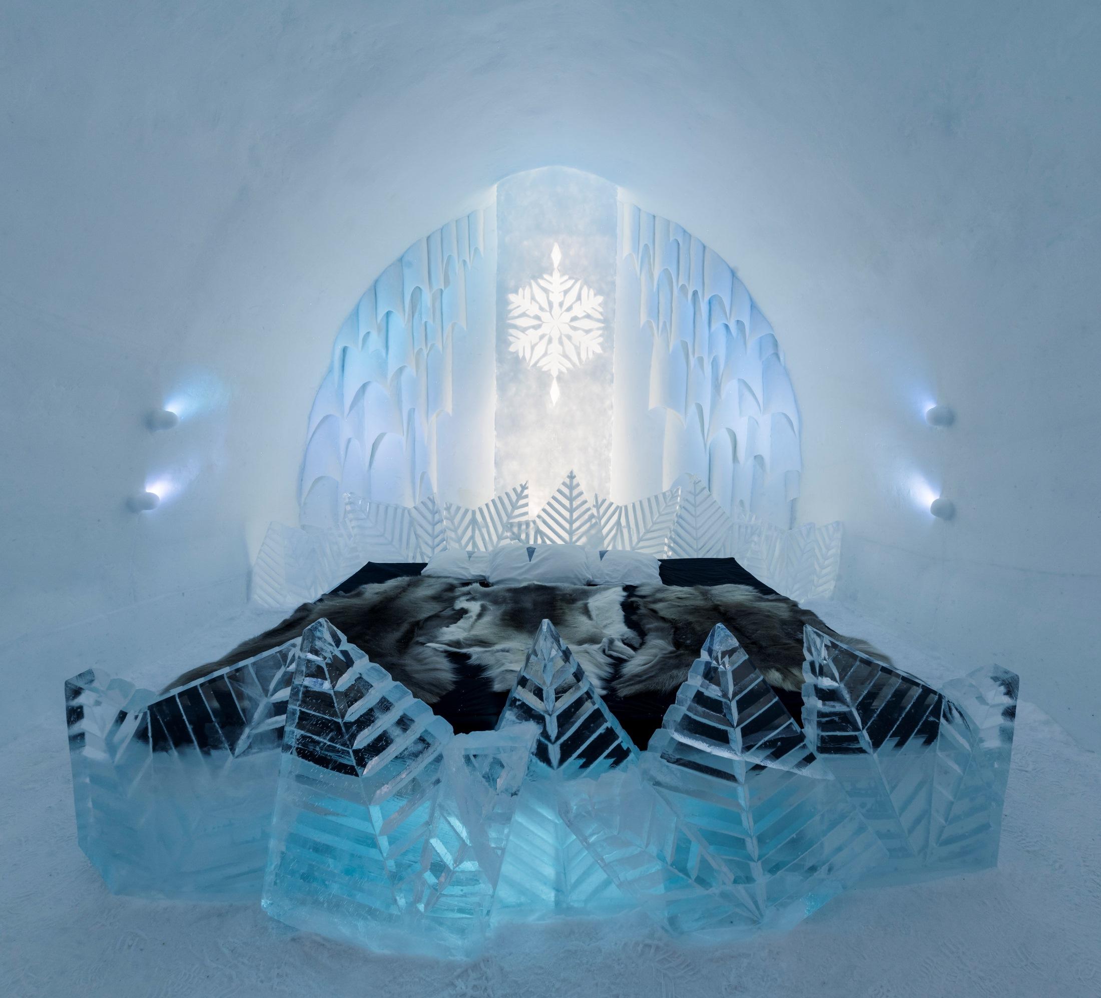 Ice Hotel 2013/2014, suite by Natuski Saito and Shingo Saito