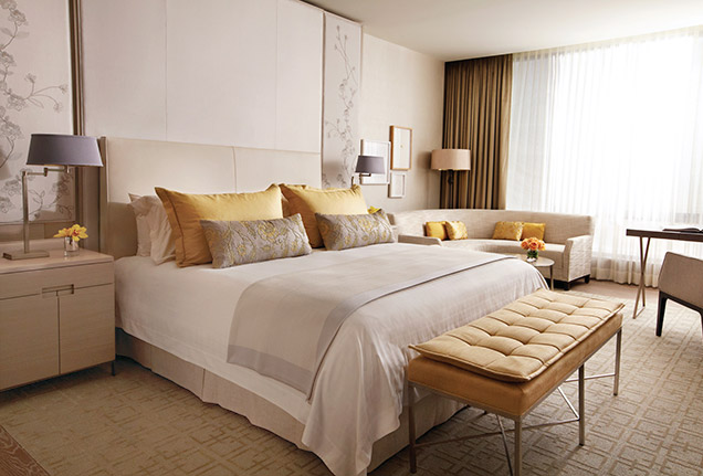 A guest bedroom at Four Seasons Hotel Toronto