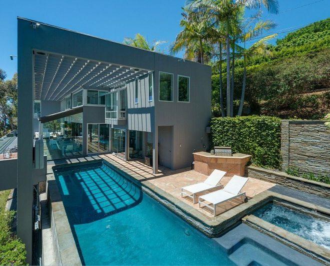 Matthew Perry Malibu villa pool