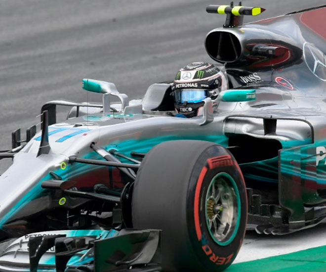Mercedes driver Valtteri Bottas in action during the Austrian Grand Prix at the Red Bull Ring, in Spielberg, on July 9, 2017 © Andrej ISAKOVIC - AFP