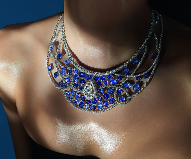 """""""Turquoise Waters"""" necklace in 18K white gold, diamonds and sapphires - Chanel """"Flying Cloud"""" high jewelry collection. © CHANEL Haute Joaillerie"""