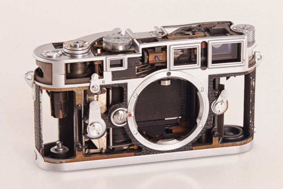 A skeleton view of the Leica M3