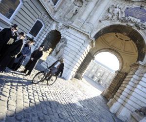 The gorgeous architecture in Budapest, Hungary (Photo credit: ATTILA KISBENEDEK / AFP)