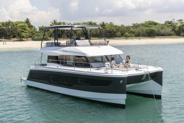 The MY40 makes herself at home in Singapore waters