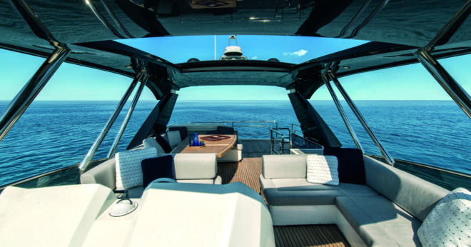 The flybridge is the same size as that on the former MCY 70, which has been succeeded by its namesake this year