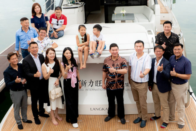 Zhuang Zhouwen (third right), the owner of the first Azimut S6 in Asia