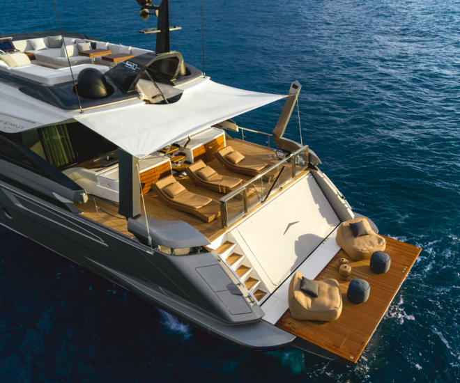 Azimut Grande S10 reviewed in Yacht Style