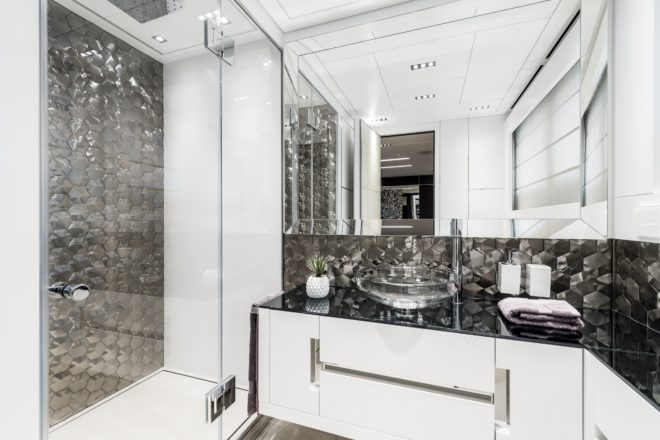 Pershing 140: Bathrooms feature metallic tiles from Spain