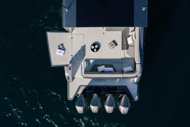 A drop-down side in the the cockpit becomes a portside swim platform