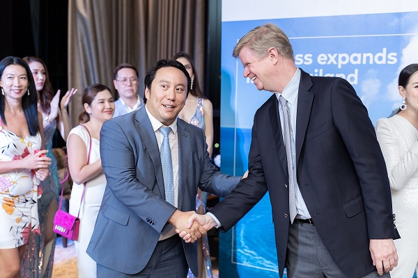 Vrit with Jean-Marc Poullet, Burgess' Chairman, Asia
