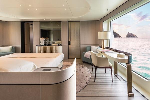 Achille Salvagni revolutionised Grande interiors, as shown here on the 35 Metri master suite