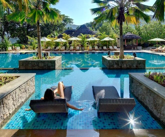 Story Seychelles Poolside