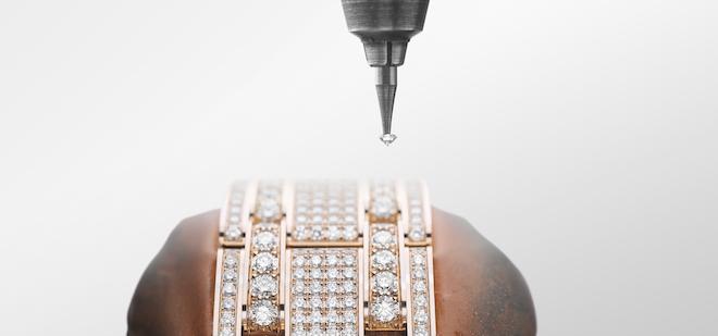 Gem-Setting of a Pearlmaster Bracelet