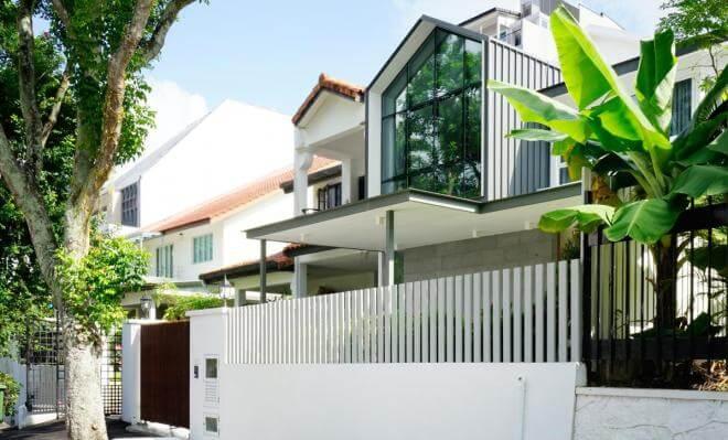 The facade of Namly House.